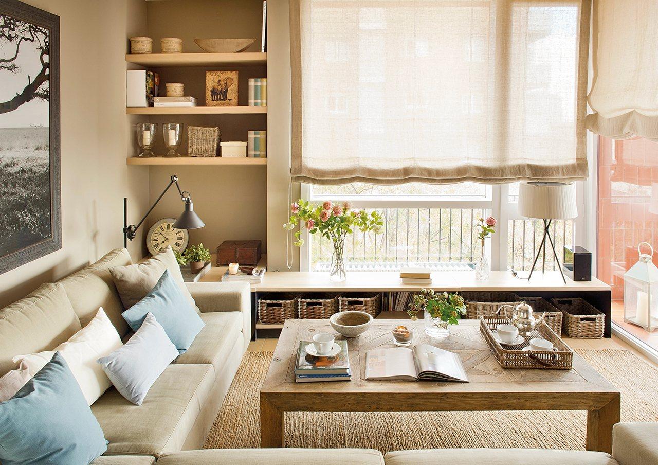 Salón de lineas rectas y muebles a medida. Apuesta por muebles bajos