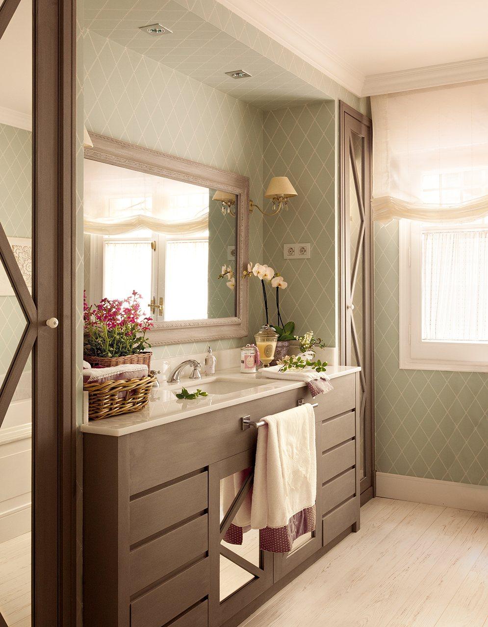 Orden perfecto un armario para cada cosa - Mueble bano estrecho ...