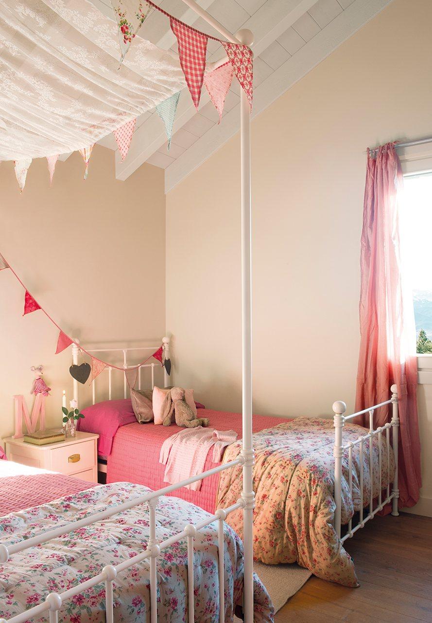 Una casa de monta a diferente c mo decorarla for Dormitorio nina blanco