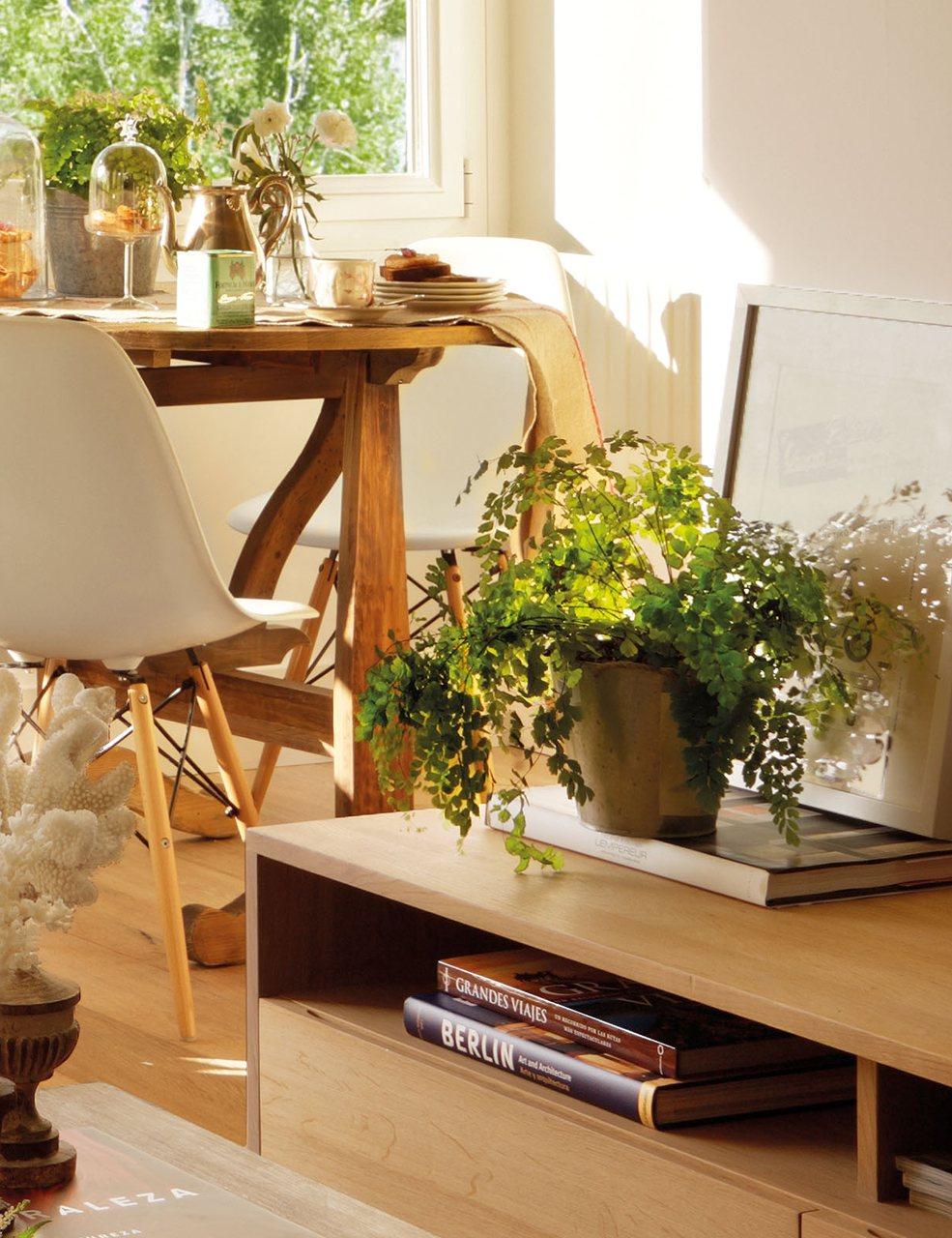 Ideas para ganar metros y ampliar visualmente pisos peque os for Mueble bajo comedor
