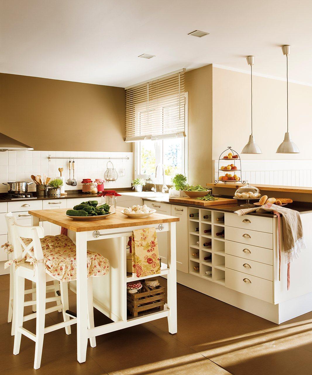 Reforma de una casa estilo hamptons for Mueble pared cocina