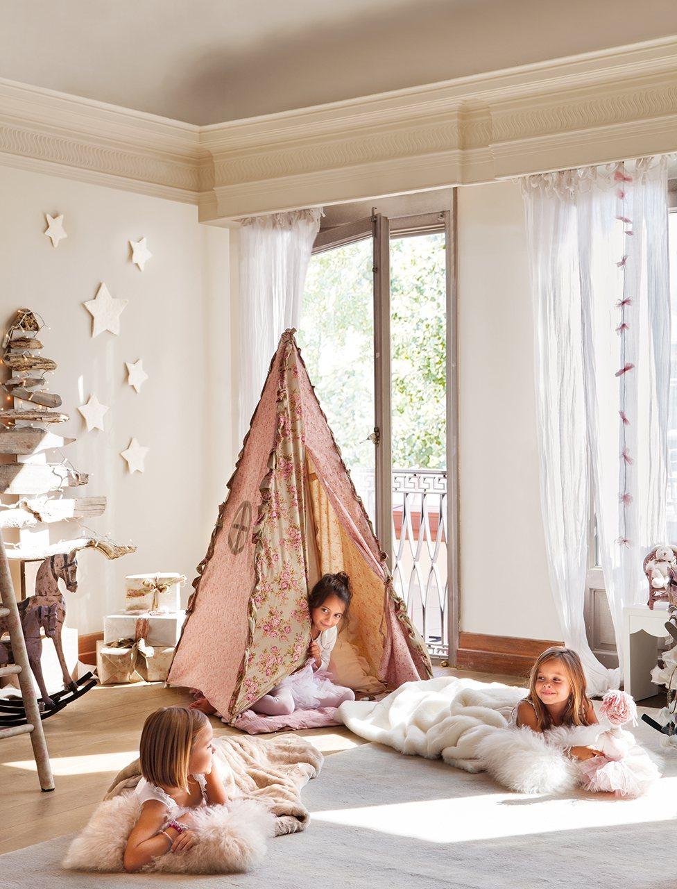 Habitación de niña con decoración Navideña