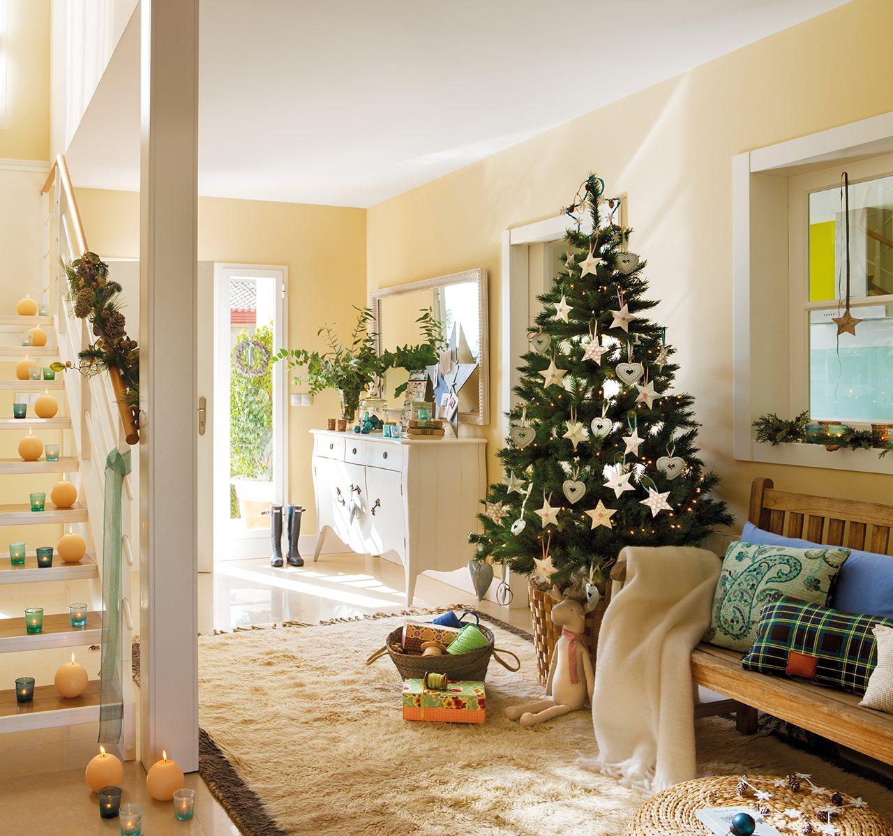 El precioso recibidor de una lectora vestido de navidad - Casas decoradas con ikea ...