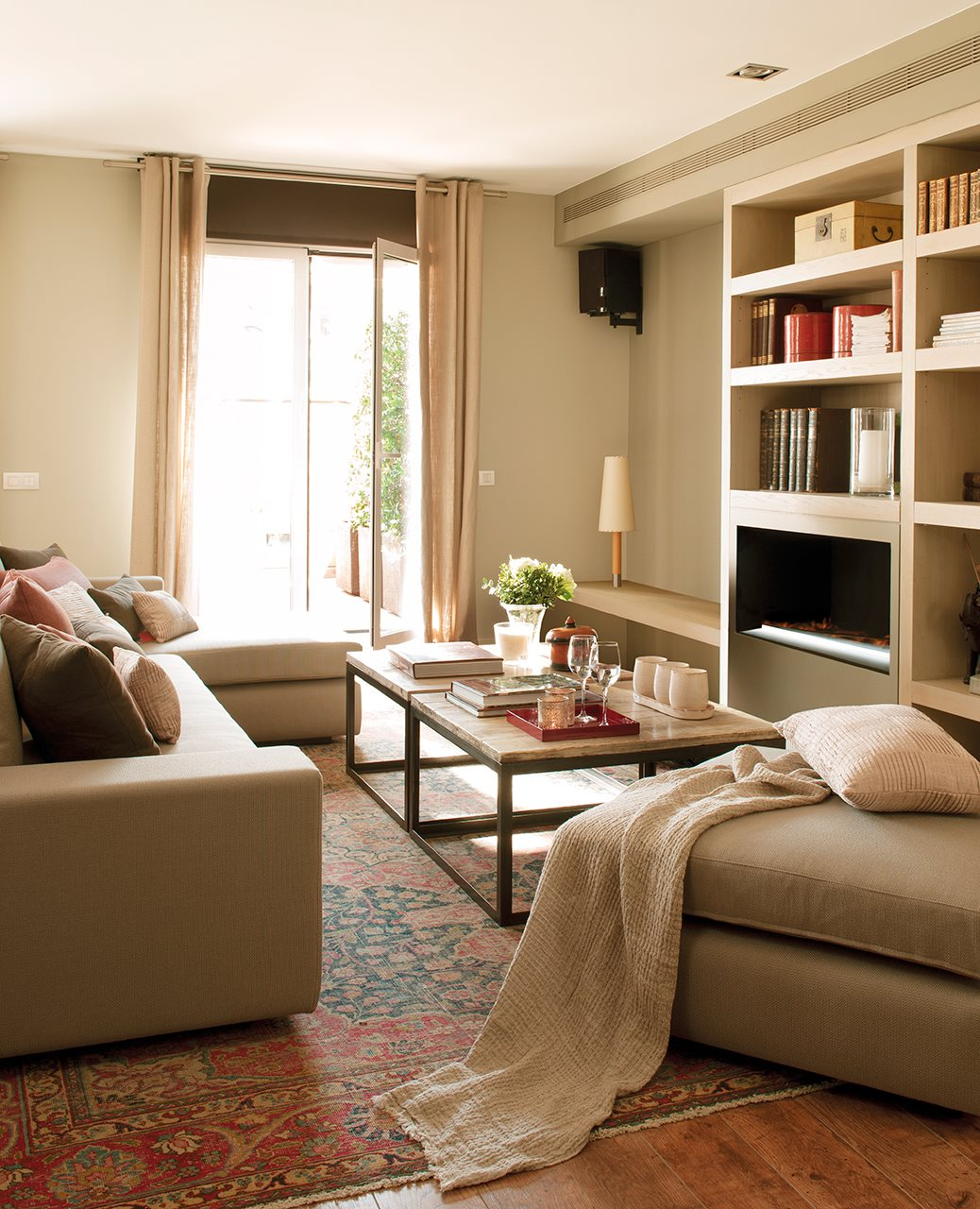10 salones peque os muy bien decorados for Muebles para salones pequenos