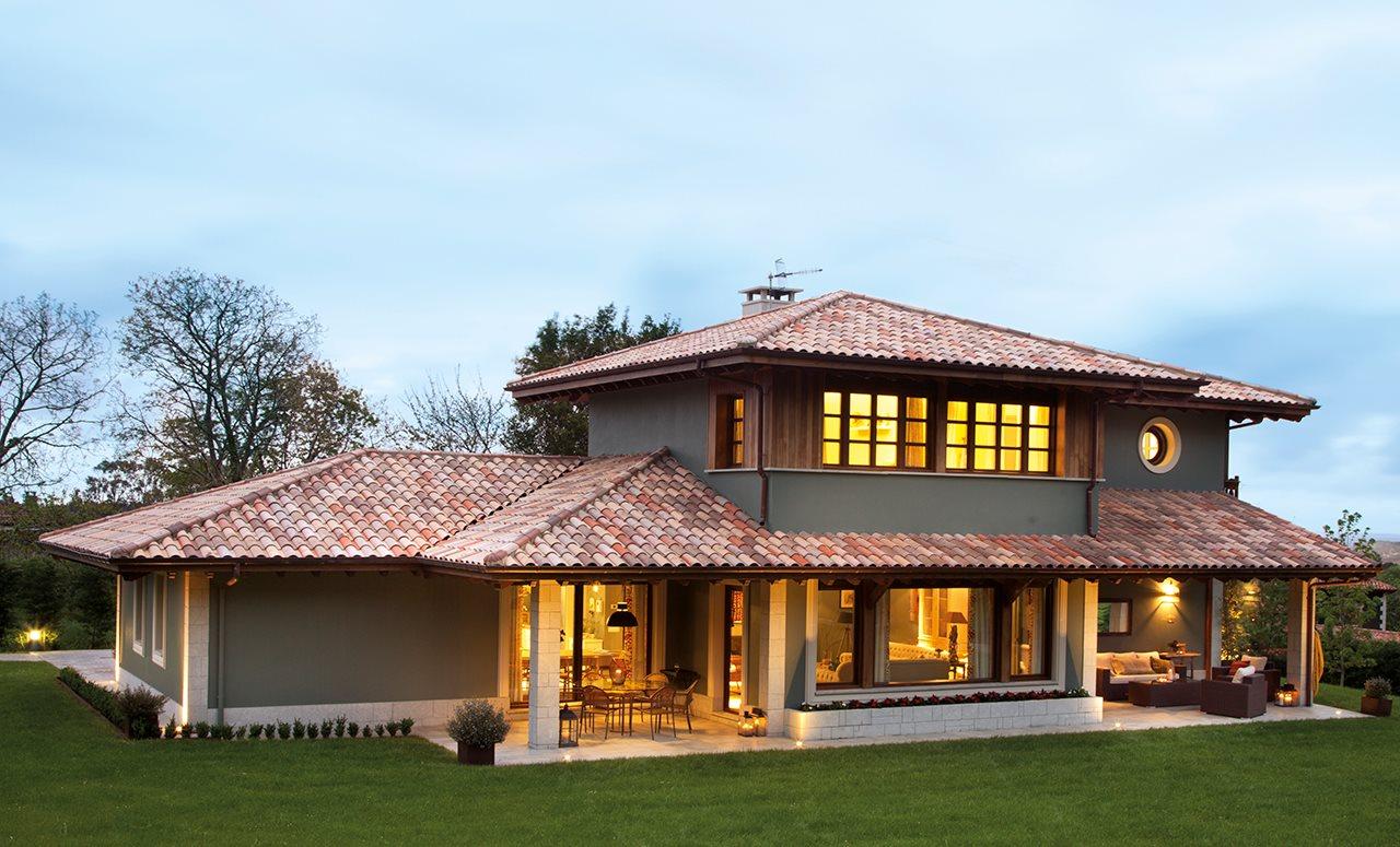 Ayer y hoy en equilibrio for Fotos de casas modernas con tejas