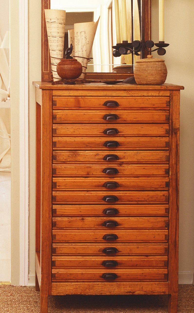 Muebles antiguos recuperados y restaurados - Tiradores para muebles antiguos ...