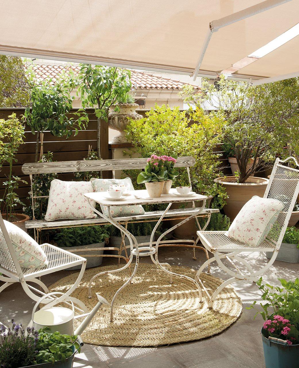 Toldos para patios pequeos finest te puede interesar with for Toldos para patios pequenos