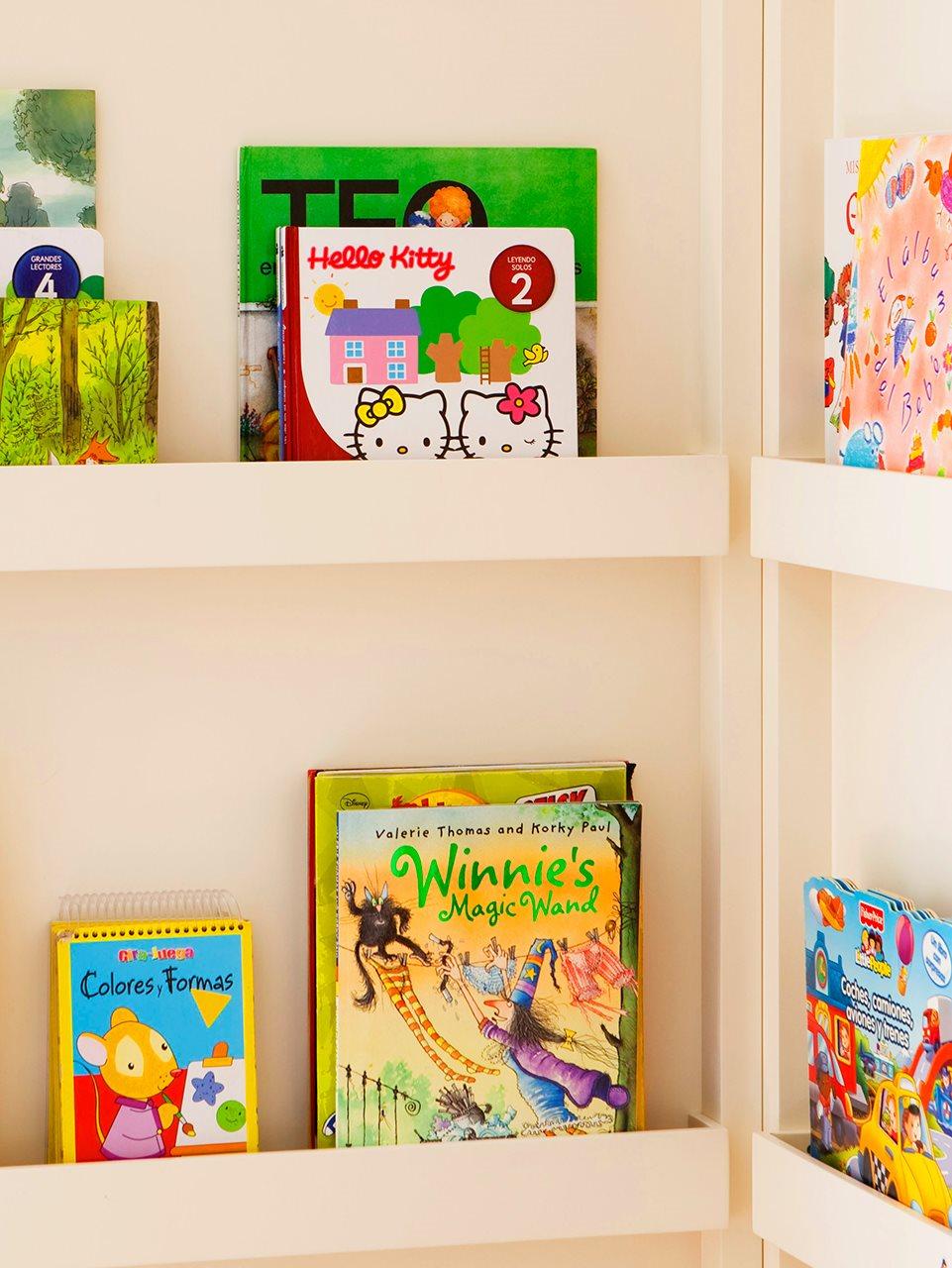 Gana espacio solo con baldas - Estantes para libros ...