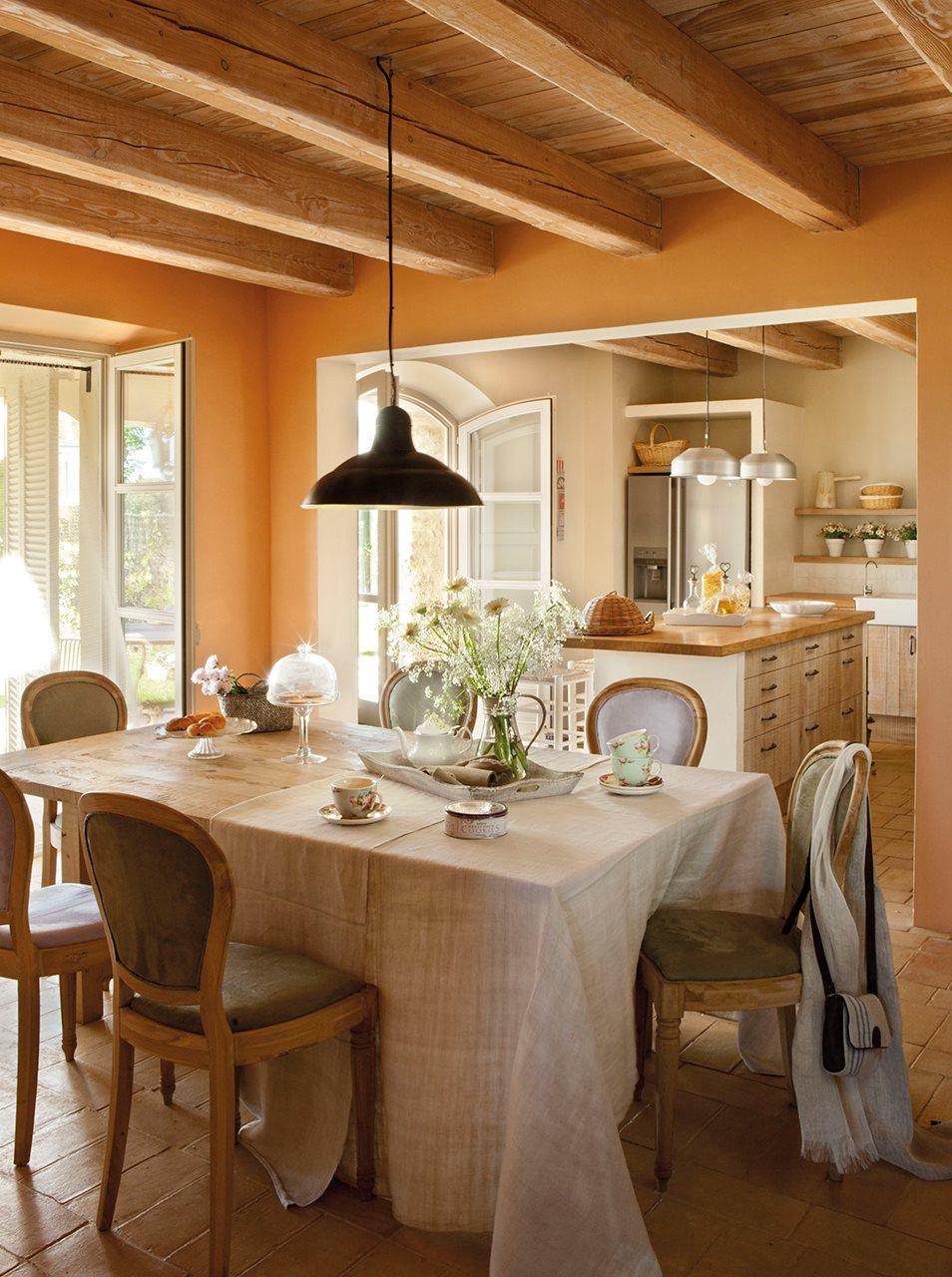 20 ideas para renovar tu casa a todo color - Cocina comedor rustico ...