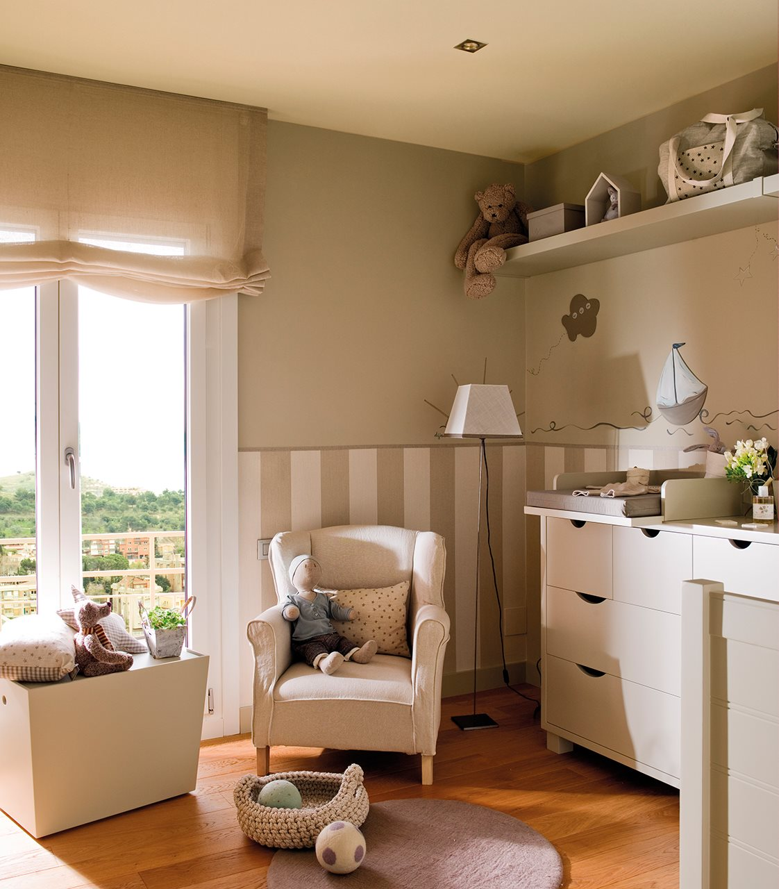 Ideas para pintar la habitaci n de los ni os - Dormitorios infantiles blancos ...