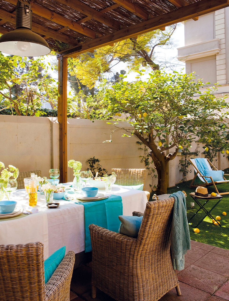 Preparar la terraza para el verano - Porches para jardin ...