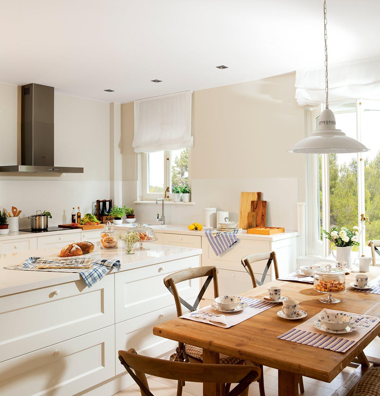 Reformar y pintar de blanco un piso para ganar luz for Cocinas bonitas y practicas