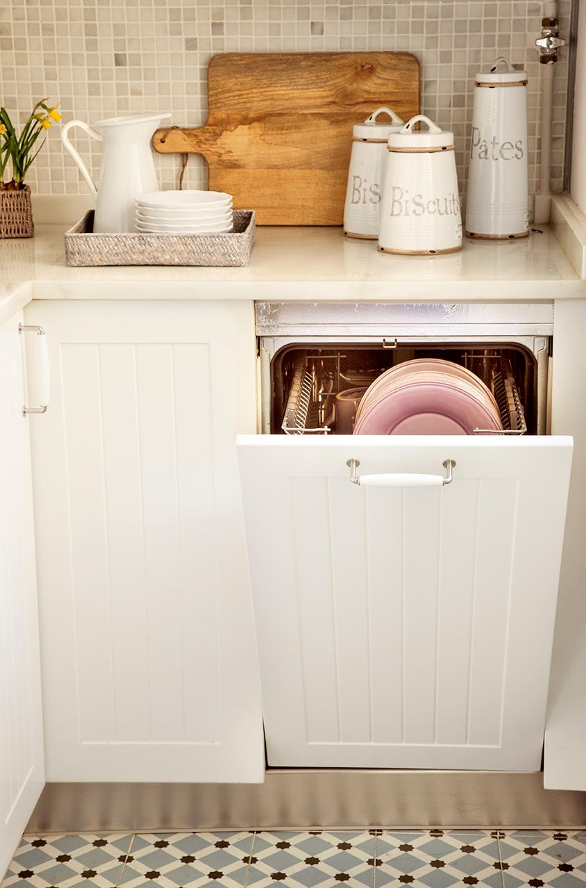 Ideas para aprovechar el espacio en las cocinas peque as for Mueble para lavadora y lavavajillas