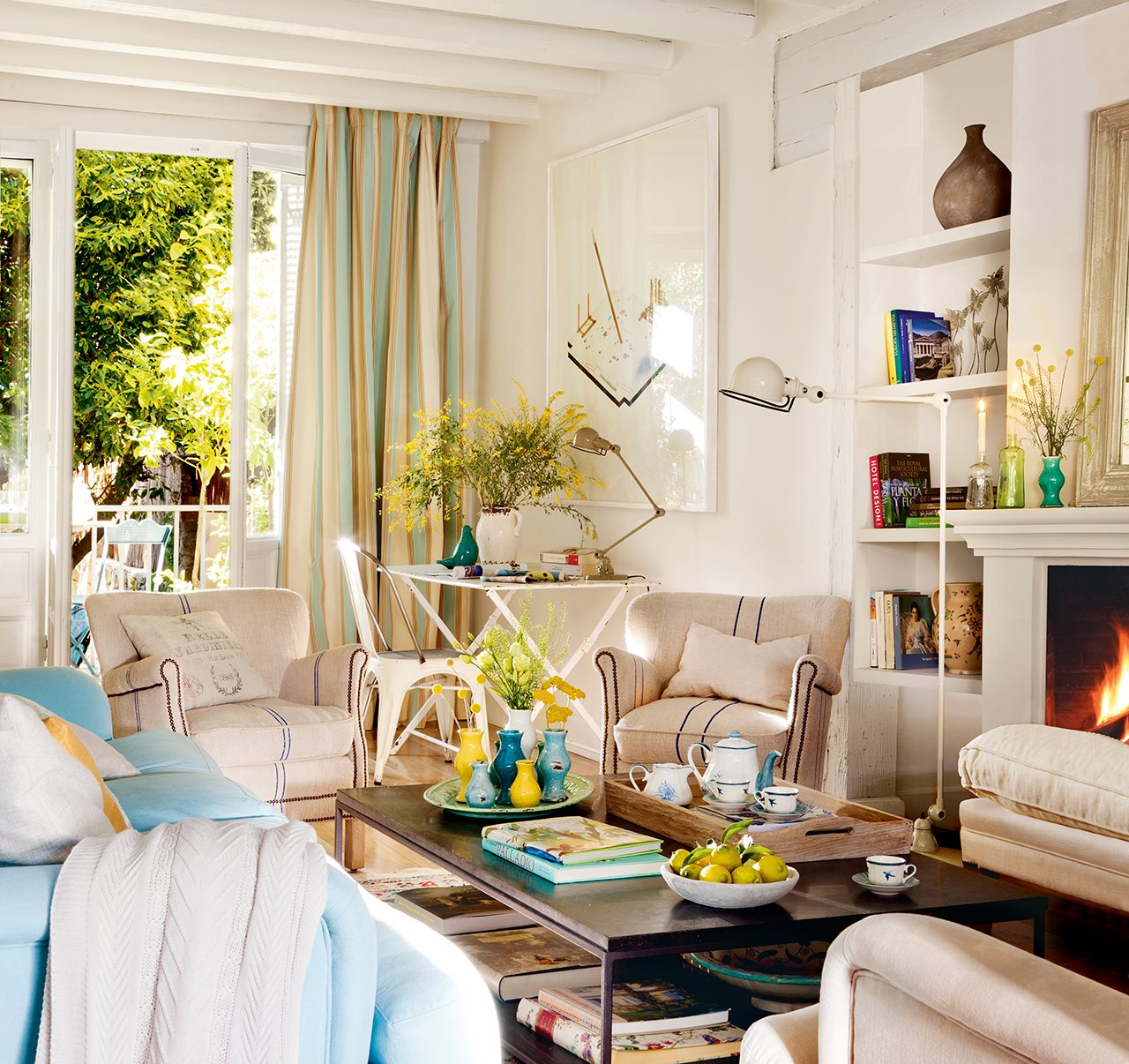 Una Casa De Fin De Semana Llena De Luz Y Color # Muebles Paz To Home
