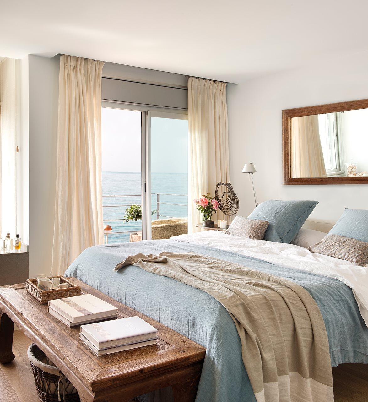 Una casa d plex con vistas al mar para un verano inolvidable for Dormitorio sala