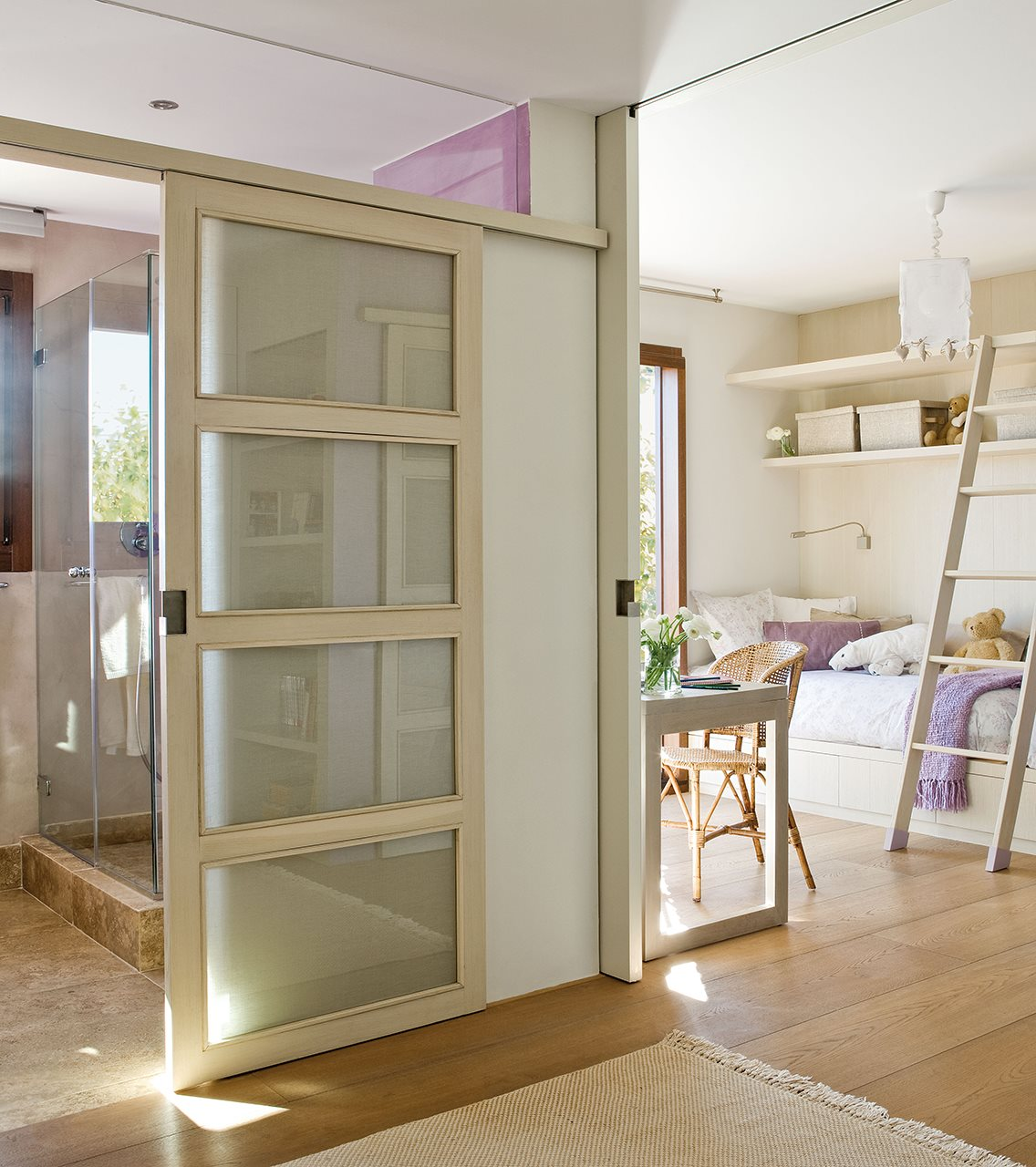 Peque as obras que dan luz y espacio - Precio de puertas correderas de cristal ...