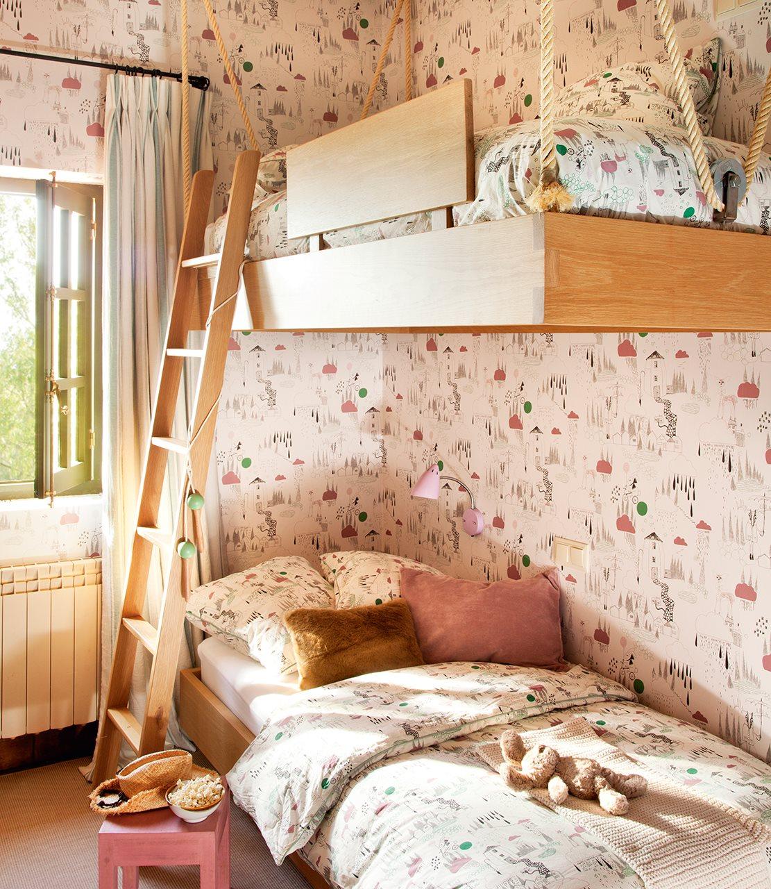 Una habitaci n con camas voladoras for Cama voladora