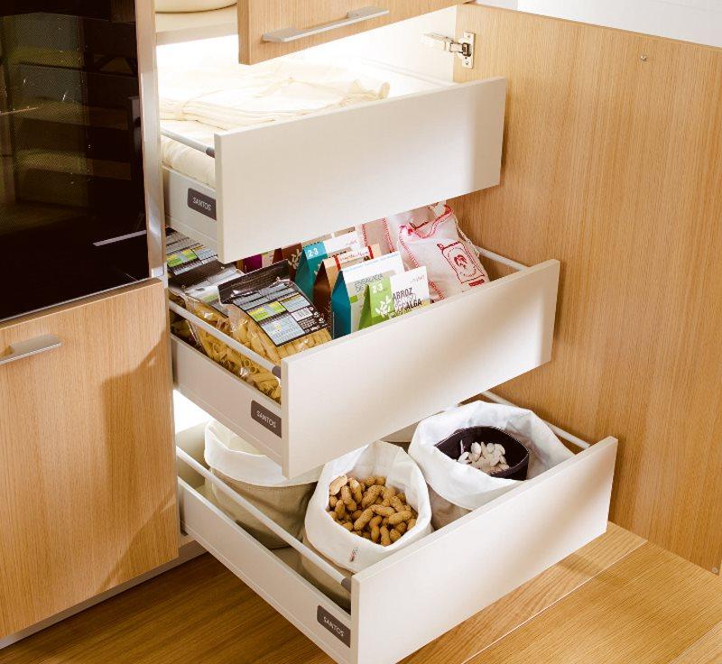 Una cocina mini puede ser perfecta for Mueble con cajones para cocina