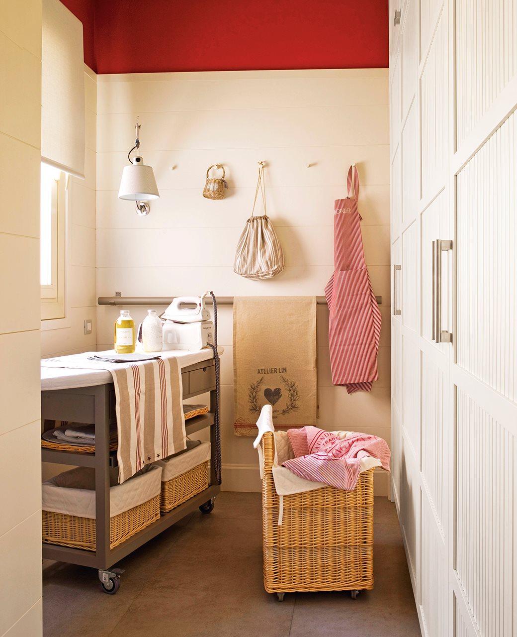 Un lavadero oculto en un armario for Lavadero pequenos