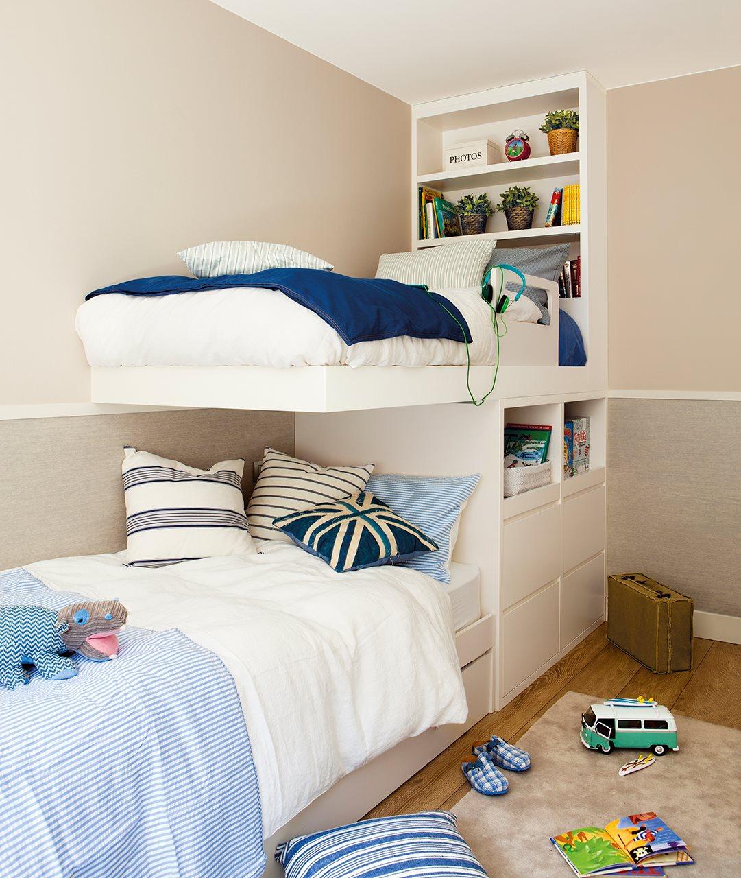 Ideas para ganar espacio en el dormitorio for Espejos estrechos y alargados