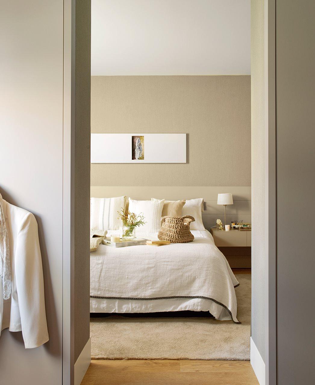 Reforma para ampliar luz y espacio for Ideas para dormitorios matrimoniales