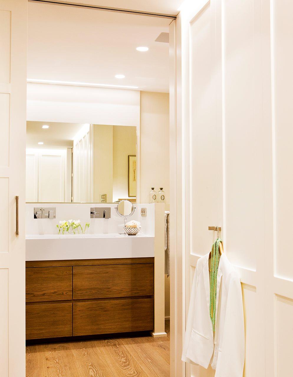 C mo tener un armario m s en casa - Armarios para pasillos ...