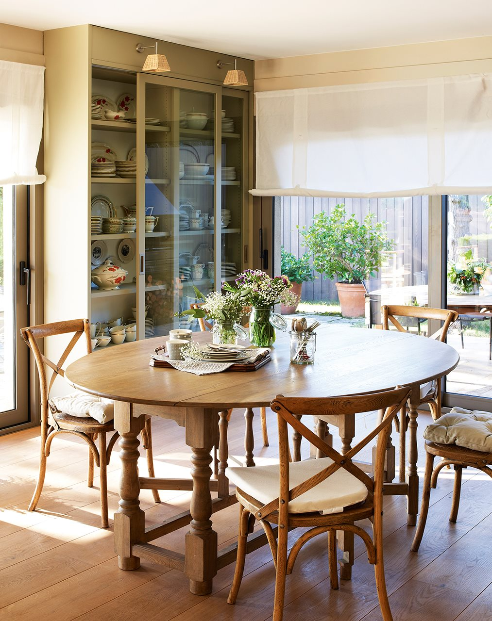 Comedor mesa redonda vidrio especial de acero mesa de comedor mesa redonda del volante mesa de - Mesas redonda comedor ...