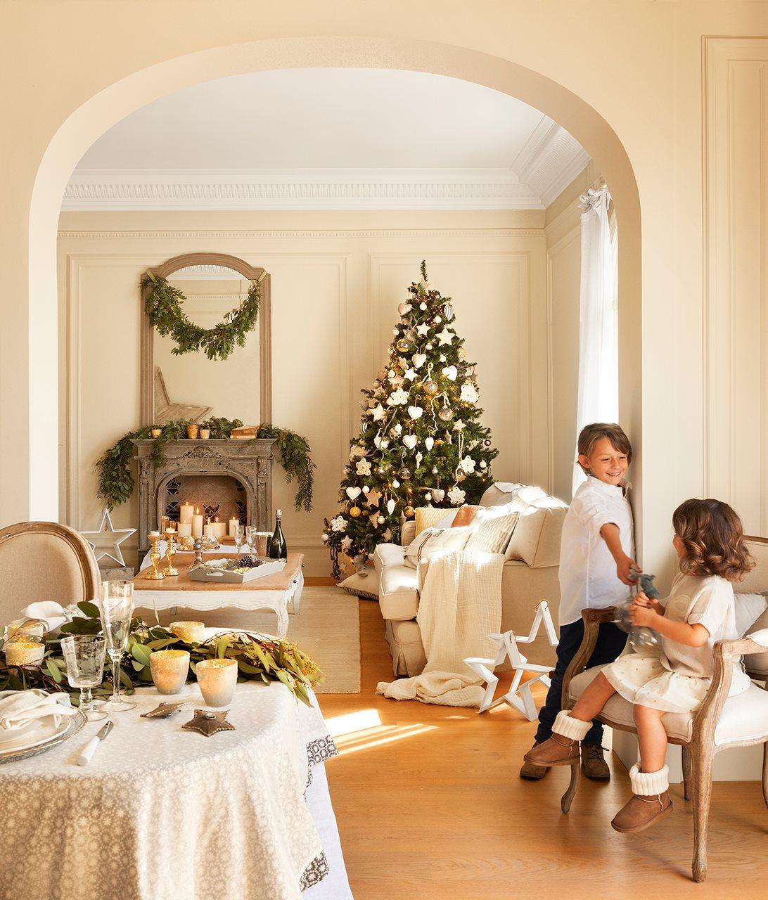 Decoraci n navide a de una casa con estilo n rdico for Decoracion de salon navideno