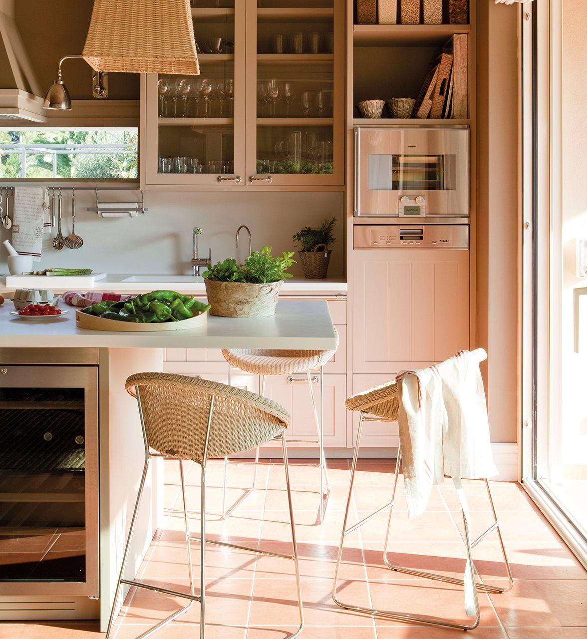 Los 9 mejores dise os de cocinas office for Mesa encimera cocina