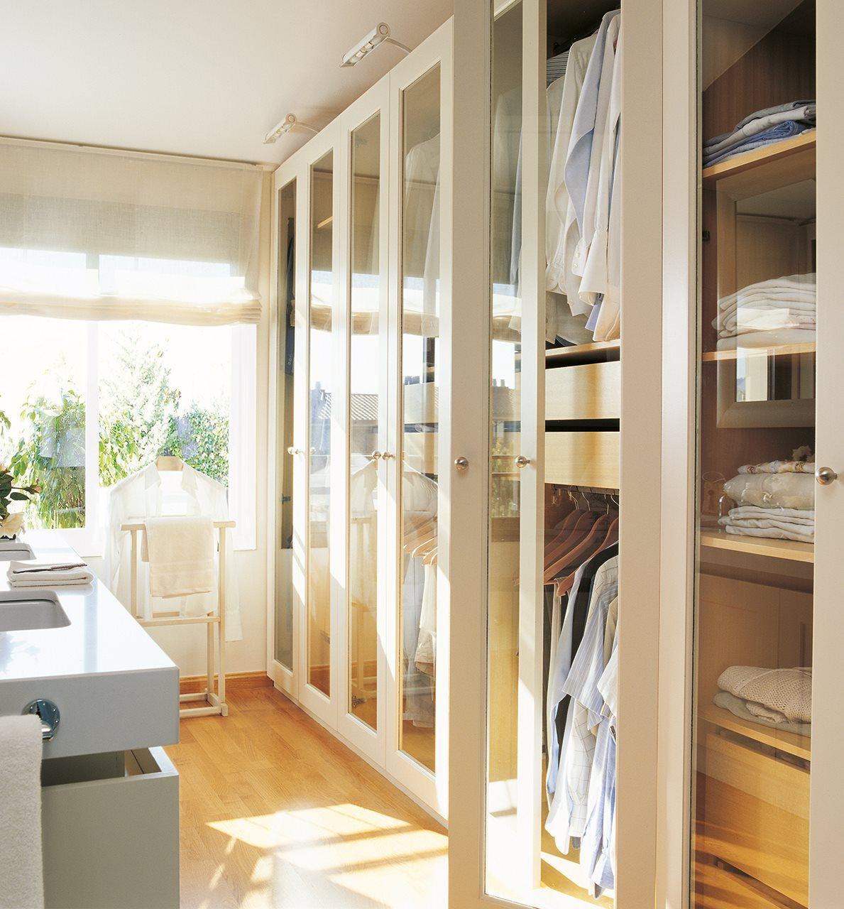 C mo organizar el armario - Organizar armarios empotrados ...
