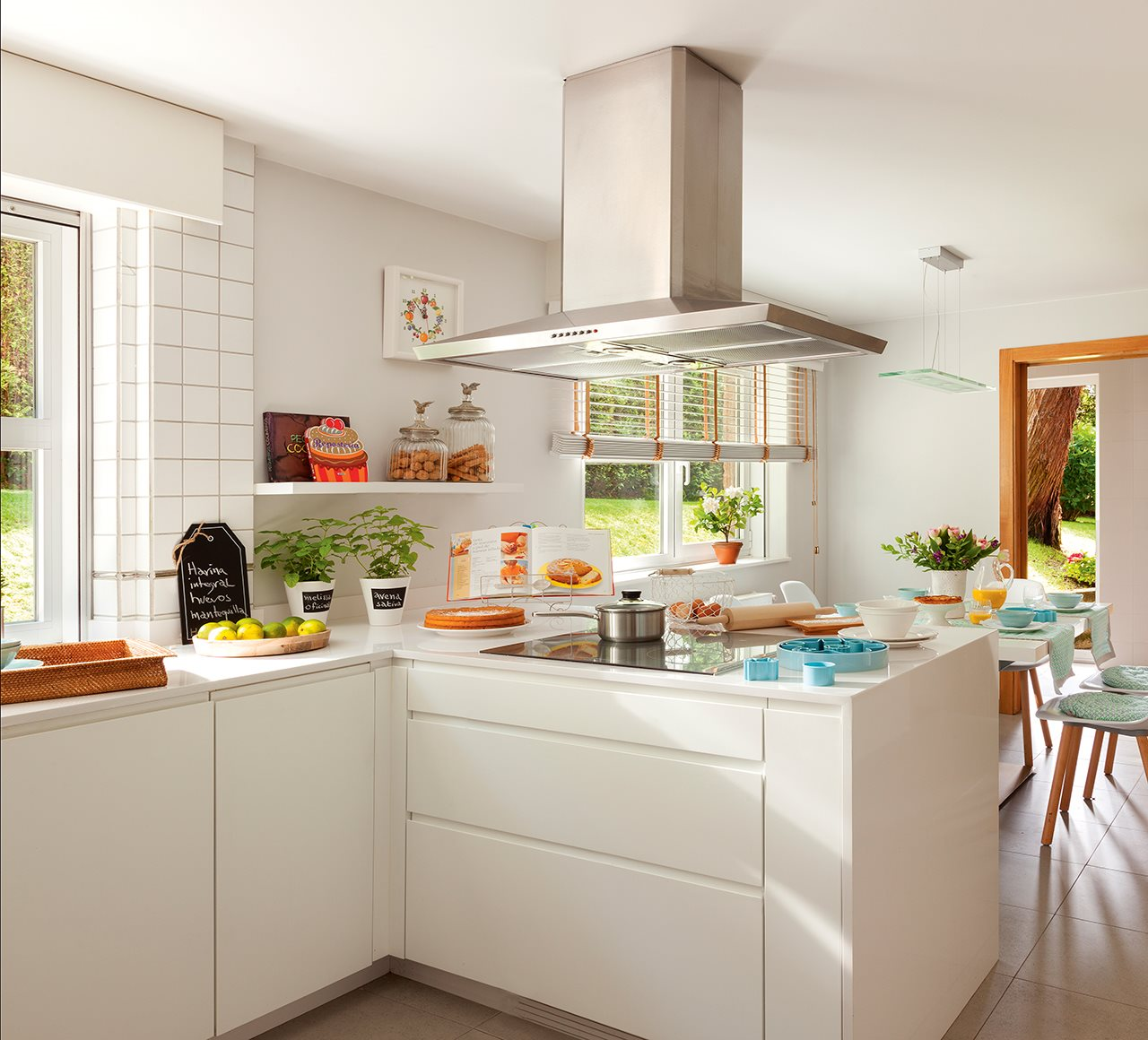 Casa familiar en galicia - Cocinas azules y blancas ...