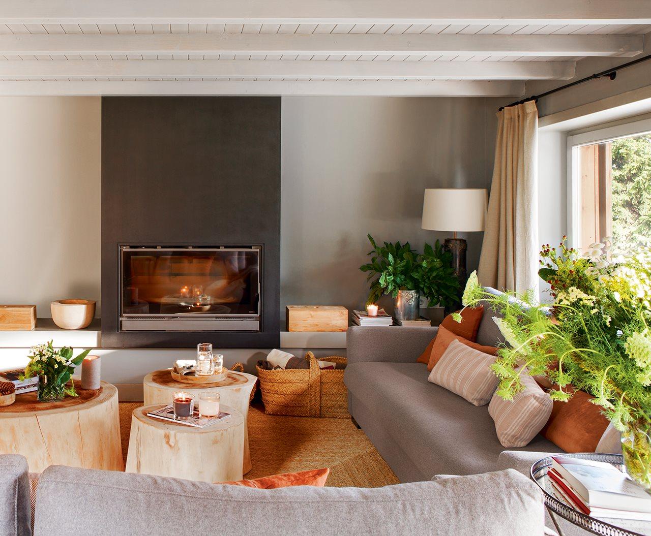 Casa en la cerdanya - Salon con chimenea ...