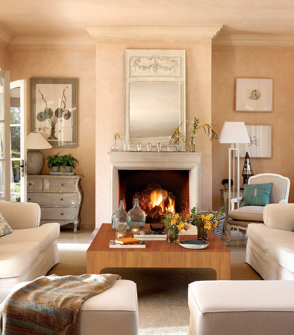 C mo decorar con cuadros y acertar - Decorar salones con chimenea ...