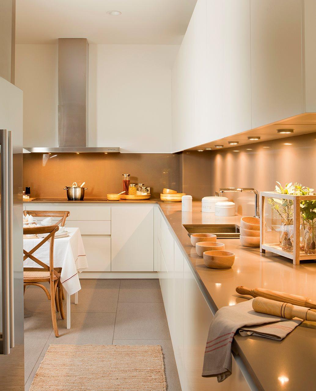 Qu luz le va a cada estancia acierta for Cocina inglesa de la cabana
