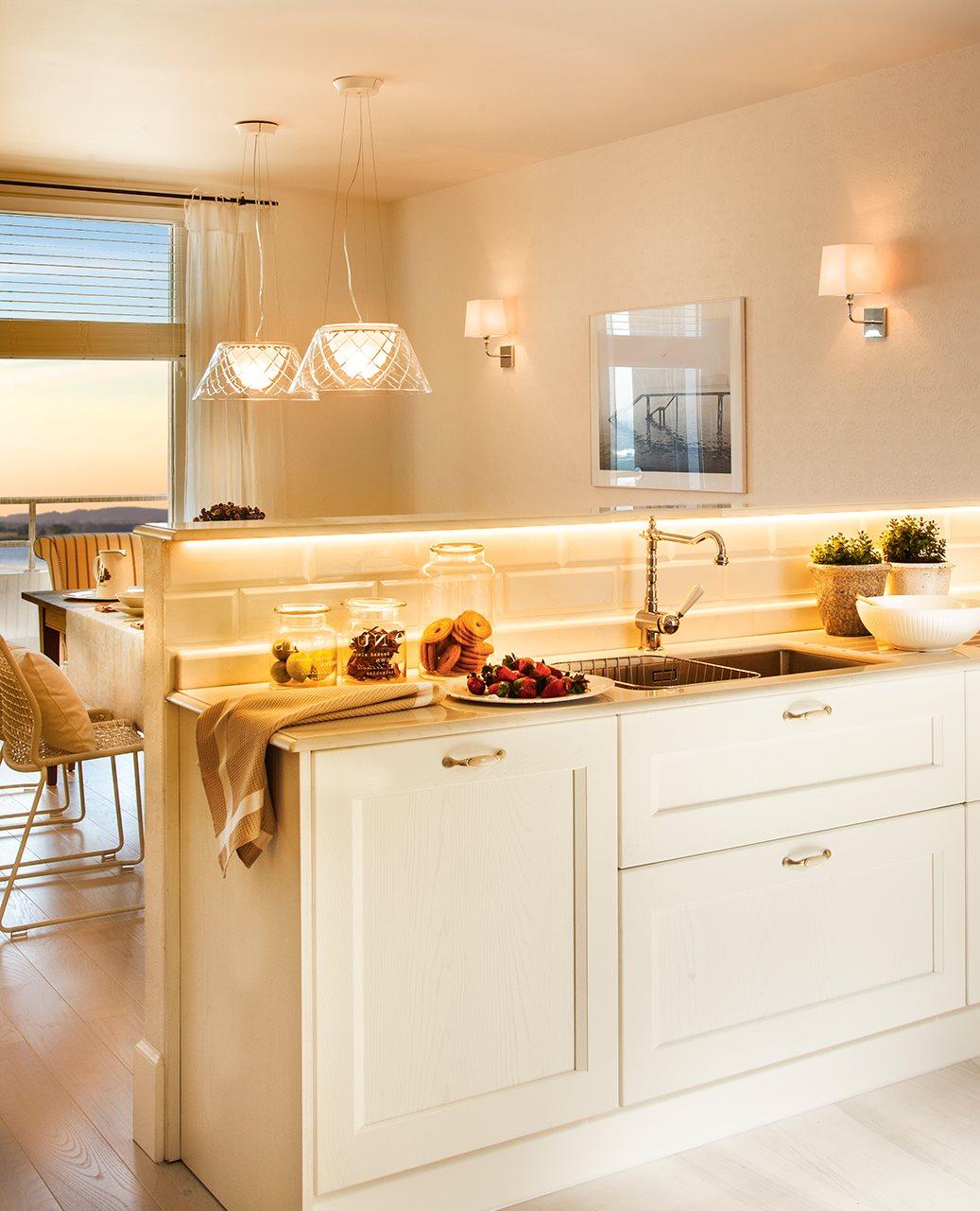 Qu luz le va a cada estancia acierta for Cocina sin azulejos