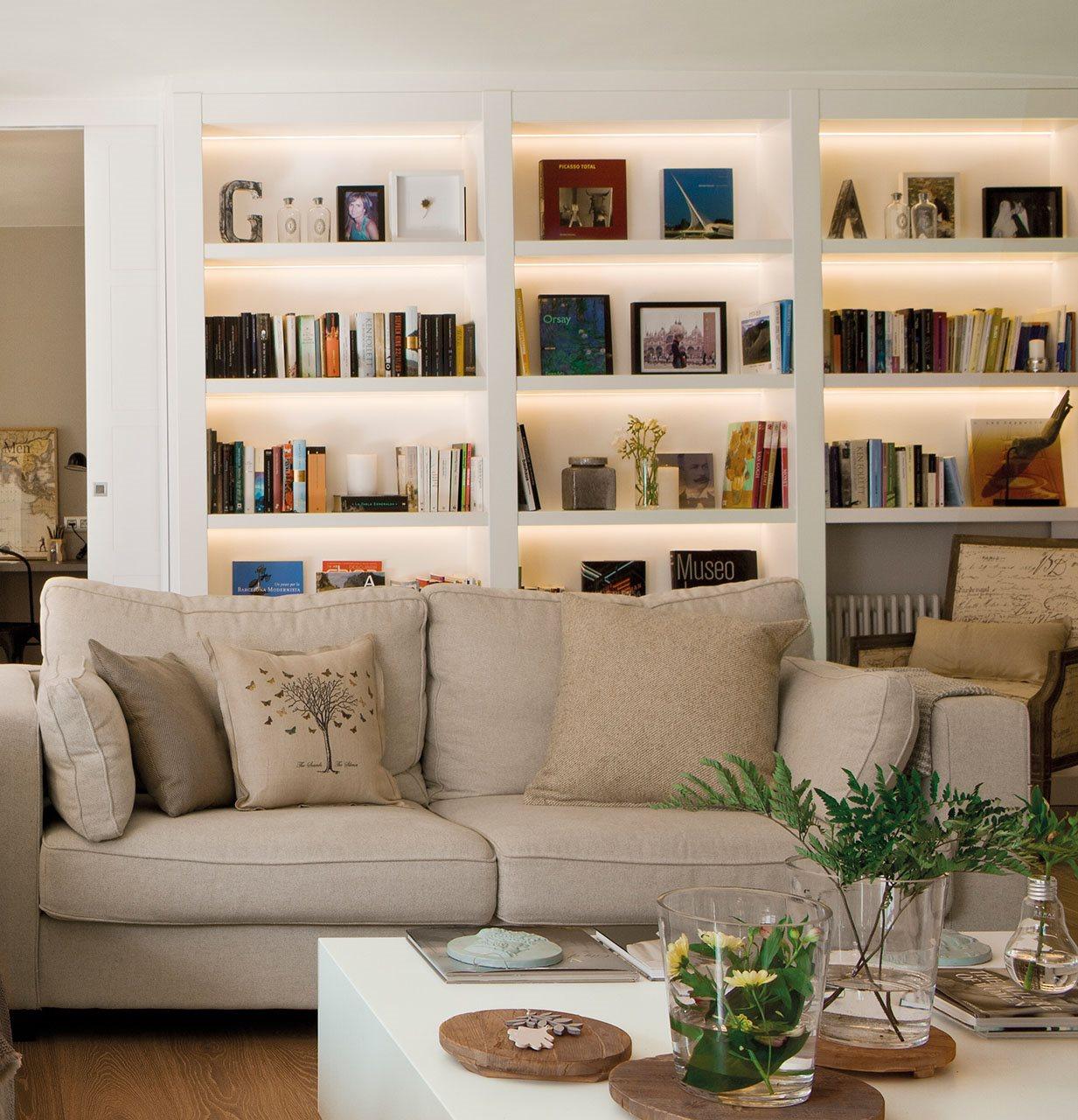 Qu luz le va a cada estancia acierta - Librerias salon blancas ...