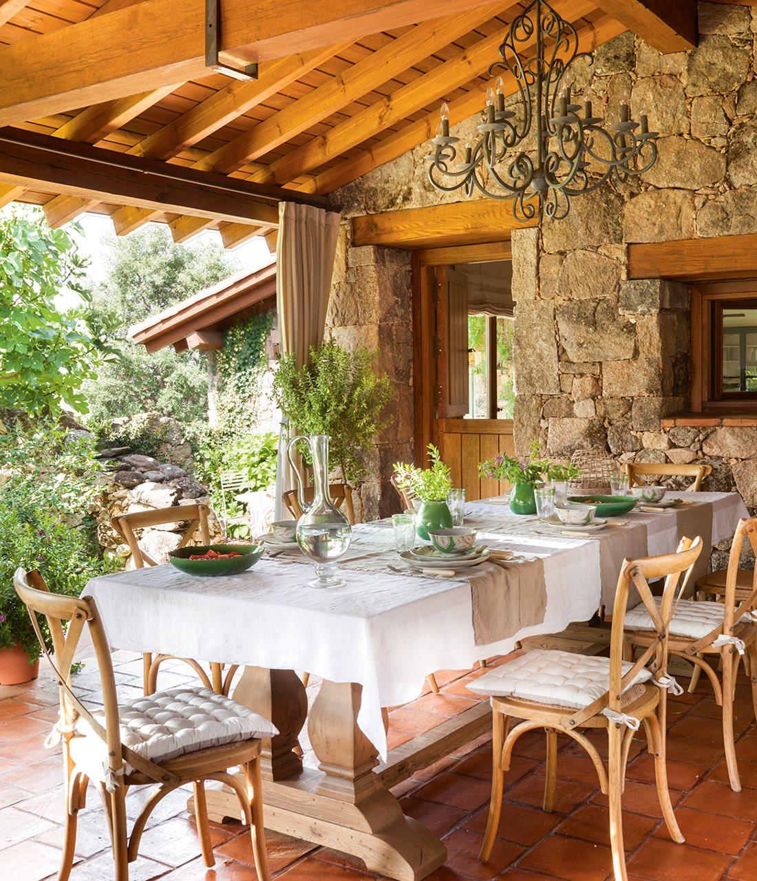 Una casa con alma - Comedor de exterior ...
