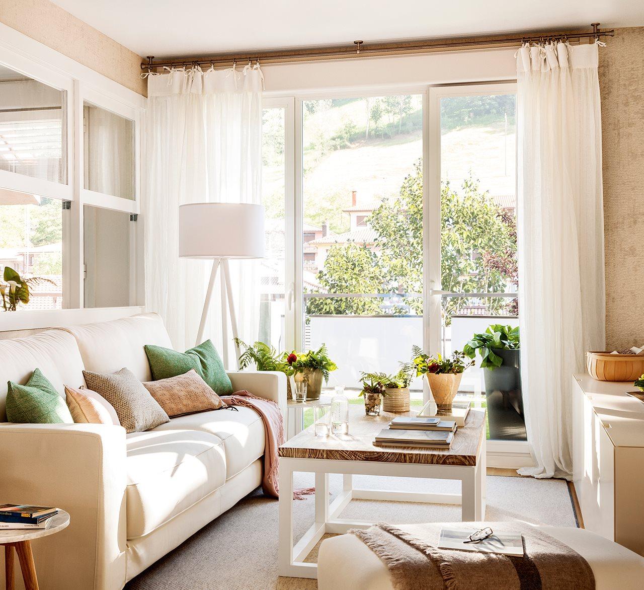Una peque a casa muy bien aprovechada for Chimeneas en apartamentos pequenos