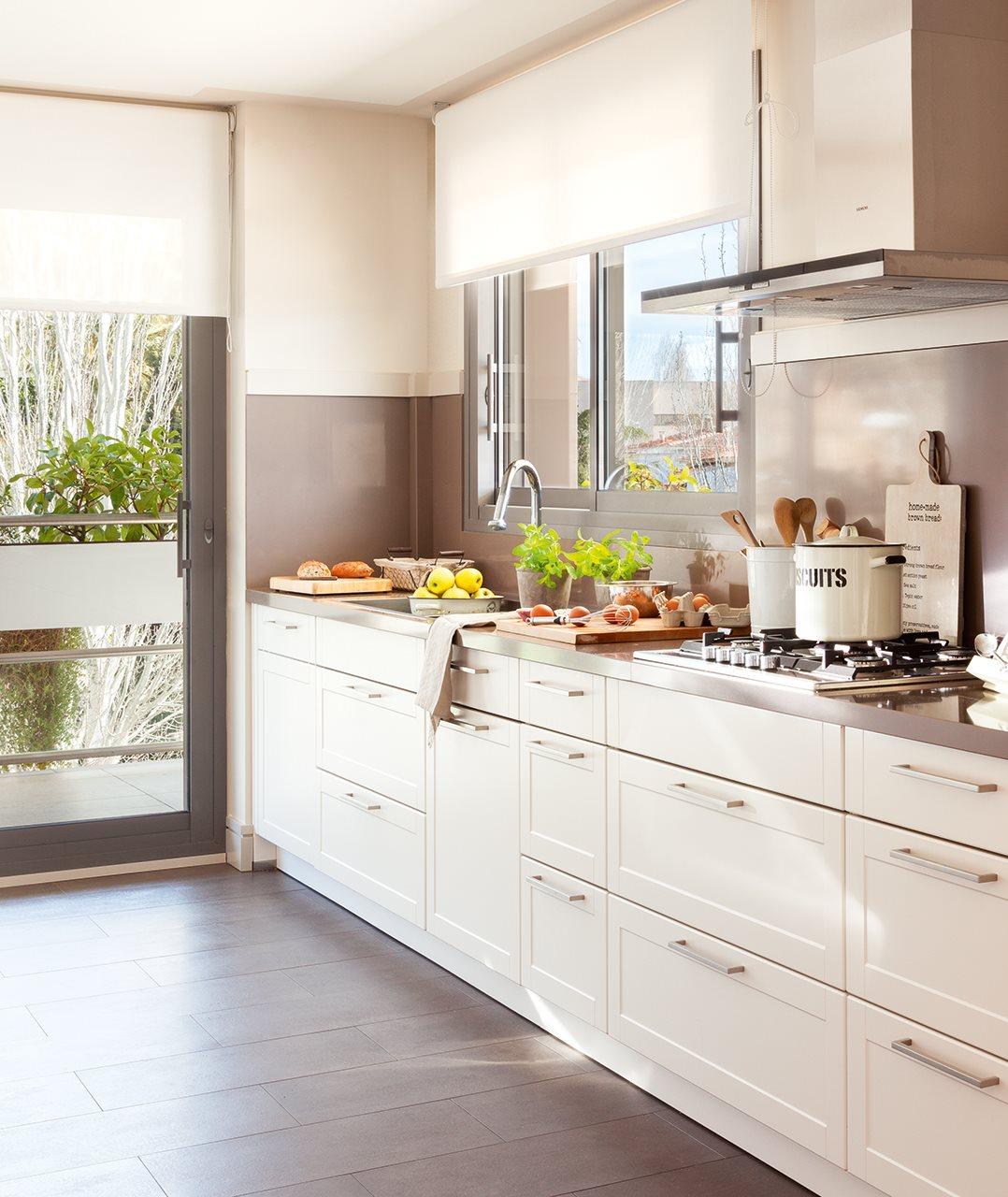 Aprovechar muebles mudanza for Cocinas cuadradas modernas
