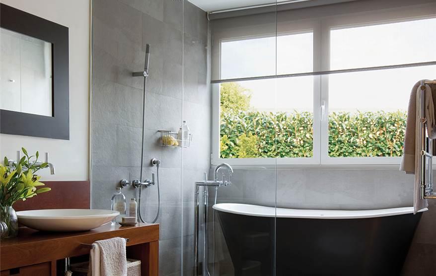 C mo conseguir un ba o iluminado - Ideas para mamparas de ducha ...