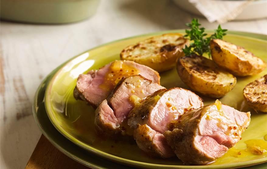 Solomillo de cerdo con patatas al horno - Solomillo a la pimienta al horno ...