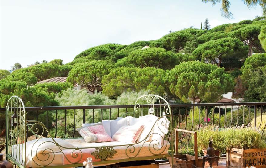 Una casa inspirada en la provenza - Conillas garden center ...