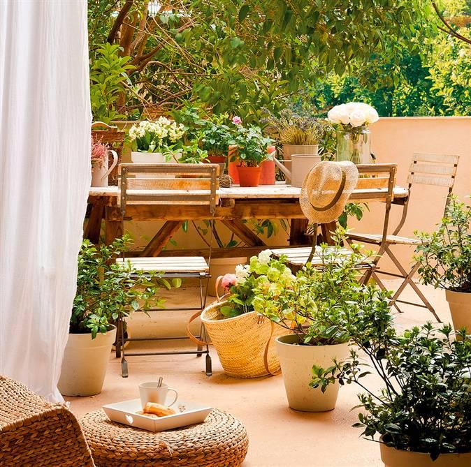 C mo conseguir una terraza perfecta for Muebles para plantas