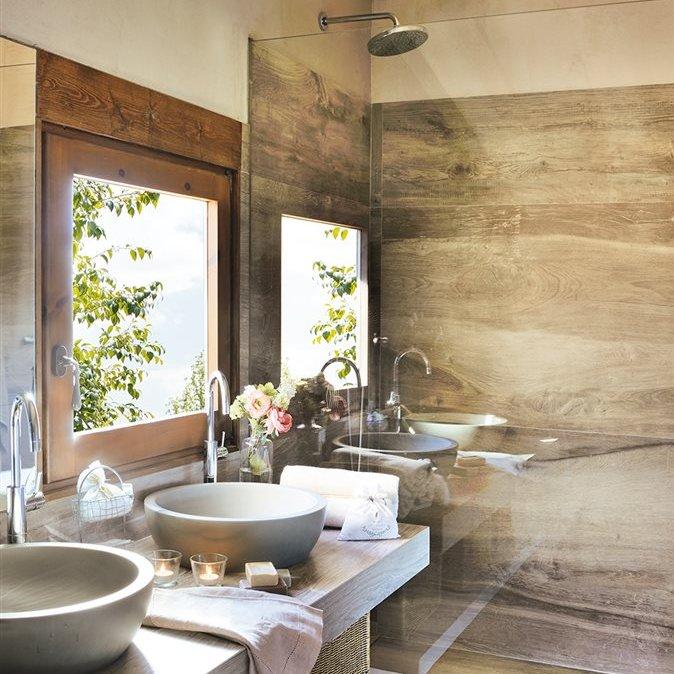 Azulejos Para Baño Infantil:Baño con lavamanos doble y azulejo que imita a madera