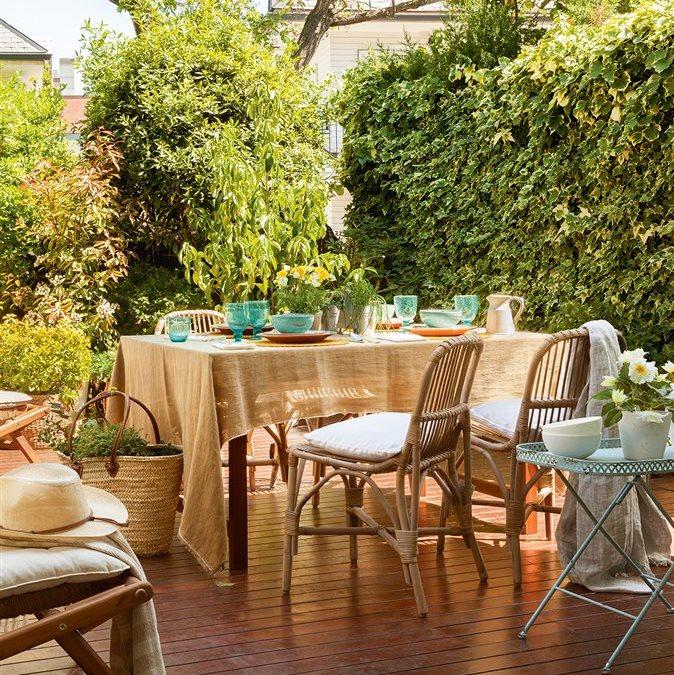 Un oasis para los cuatro gastando lo justo - Comedor de exterior ...