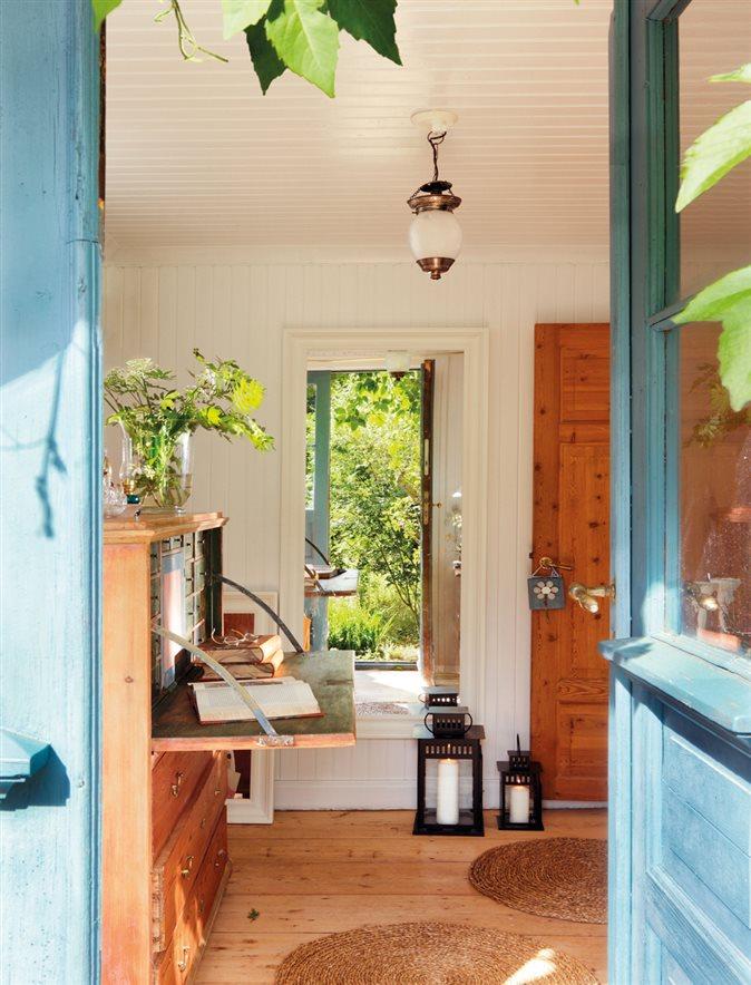 La casa de verano en suecia de lorenzo meazza de ikea for Muebles para la entrada de la casa
