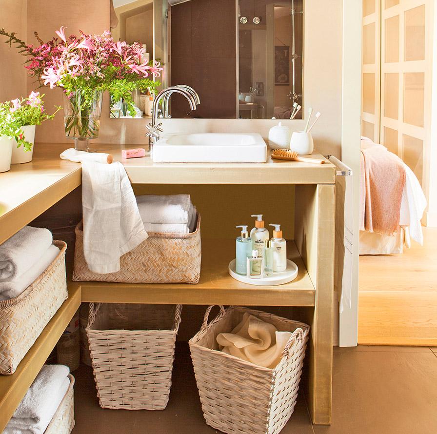 Muebles bano toallas 20170905044832 for Estanteria bano toallas