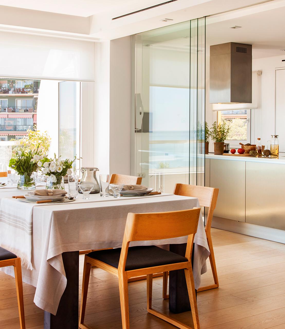 Claves para abrir la cocina al comedor o el saln y ganar metros y luz