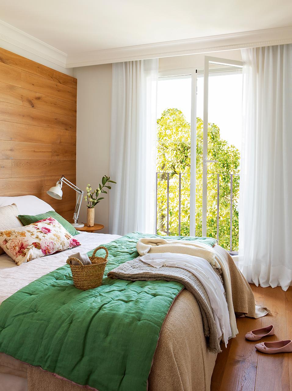 Reformar dos pisos antiguos y convertirlos en uno moderno for Decoracion dormitorio gris