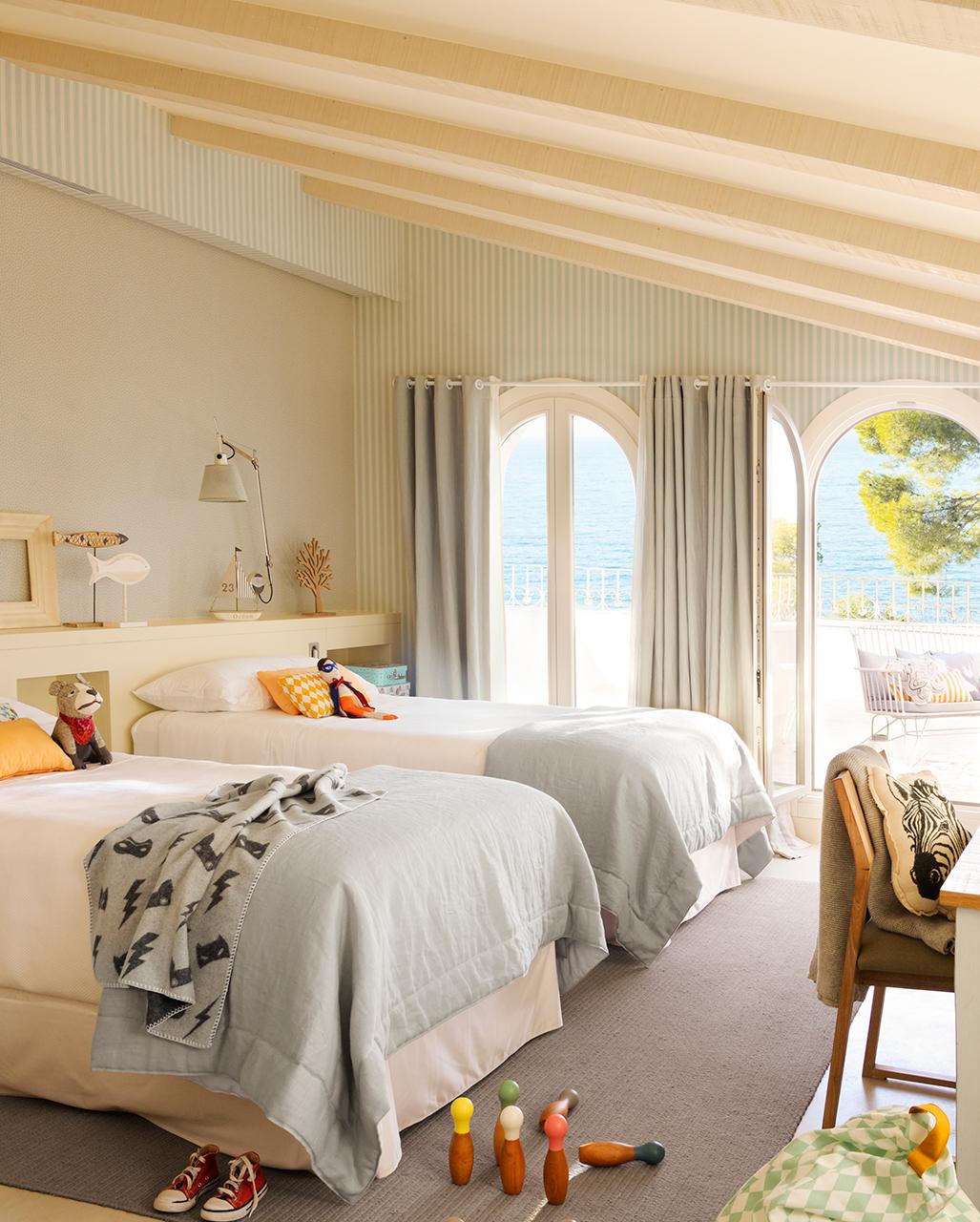 Una preciosa casa junto al mar con siete siglos de historia - Decoracion de interiores infantil ...